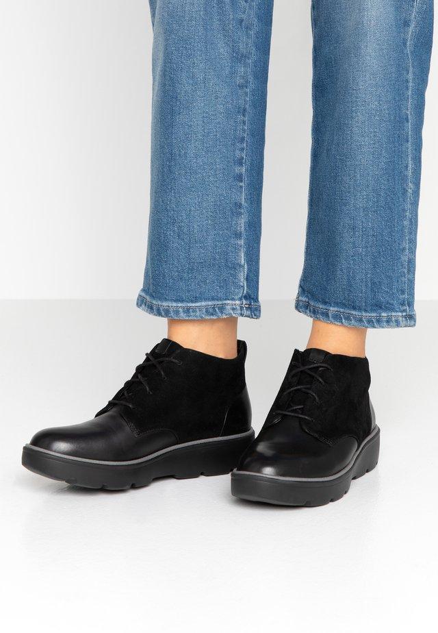 UN BALSA MID - Korte laarzen - black