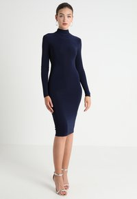Club L London - OPEN BACK RUCHED LONG SLEEVE BODYCON DRESS - Etui-jurk - navy - 3