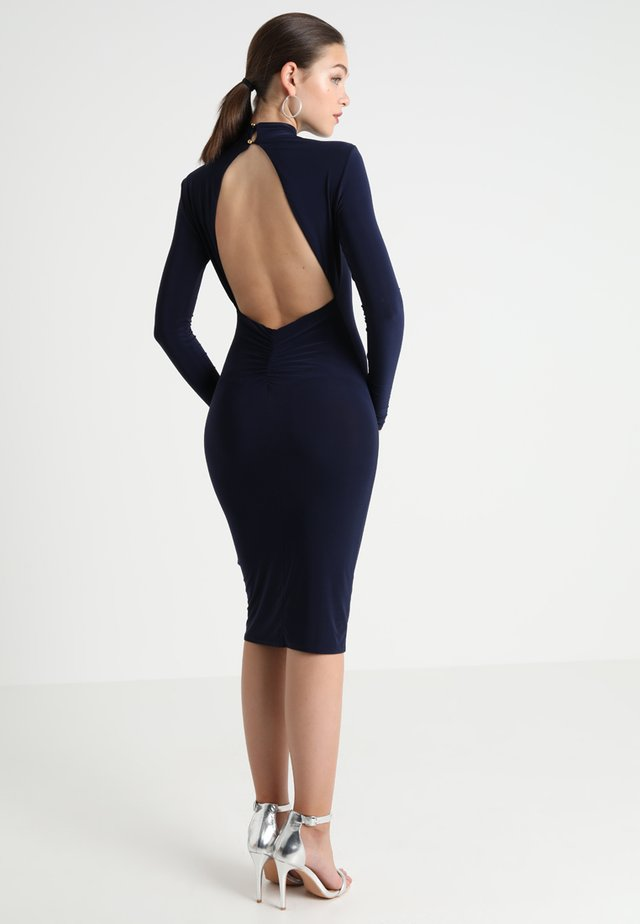 OPEN BACK RUCHED LONG SLEEVE BODYCON DRESS - Pouzdrové šaty - navy