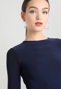 Club L London - OPEN BACK FISHTAIL DRESS - Iltapuku - navy - 6