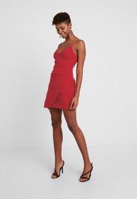 Club L London - Denní šaty - red - 2