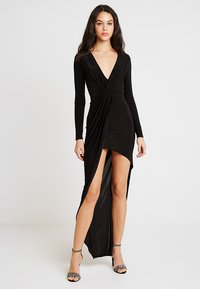 Club L London - SLINKY KNOT ASSYMETRIC DRESS - Maxi dress - black - 0