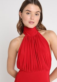Club L London - HALTER NECK RUCHED DETAIL FISHTAIL MAXI DRESS - Galajurk - red - 3