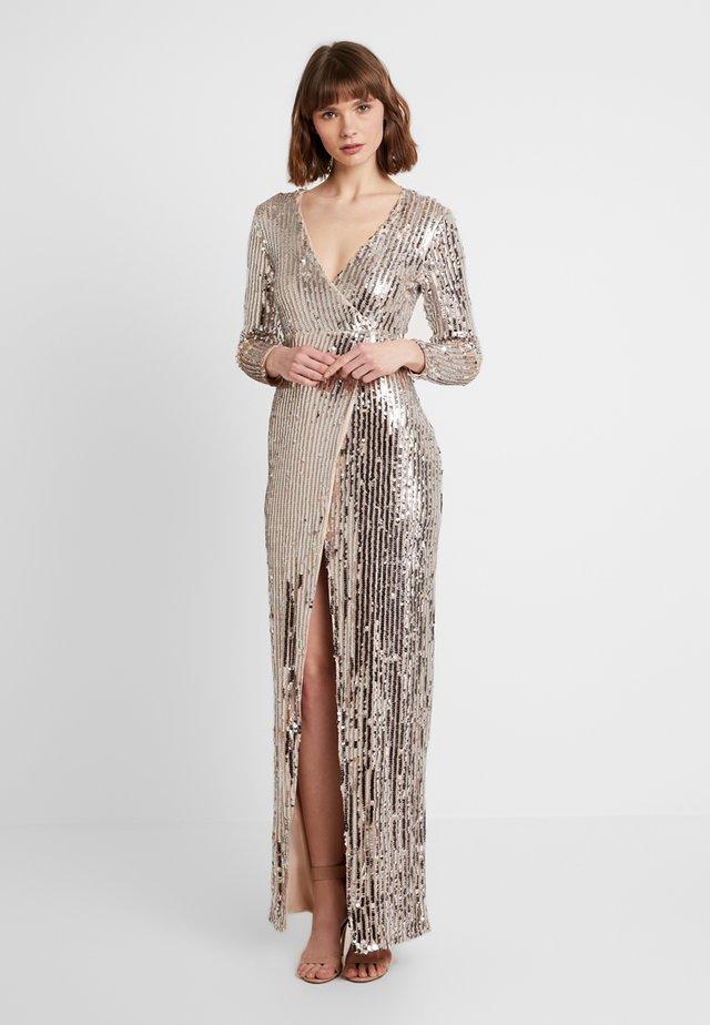 WRAP FRONT ASSYMETRIC STRIPE SEQUIN DRESS - Cocktailkjoler / festkjoler - silver