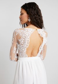 Club L London - APPLIQUE SEQUIN DRESS - Robe de cocktail - white - 4