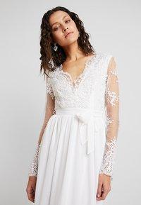 Club L London - APPLIQUE SEQUIN DRESS - Robe de cocktail - white - 3