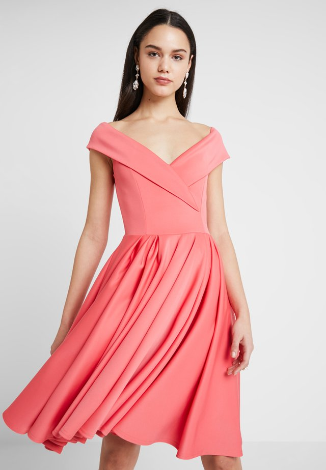 BRIDESMAID MODERN BARDOT FIT FLARE SKATER DRESS - Žerzejové šaty - coral
