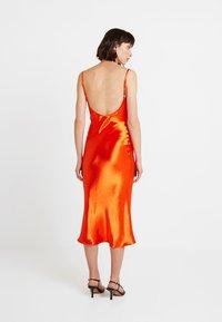 Club L London - COWL NECK DRESS - Robe d'été - orange - 3