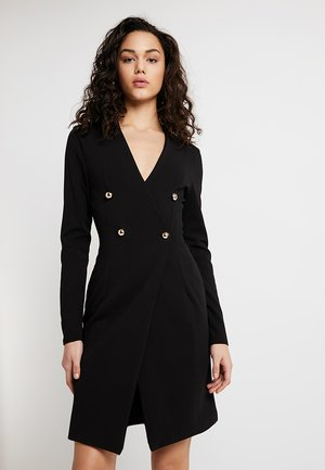 GIRL BOSS DRESS - Žerzejové šaty - black