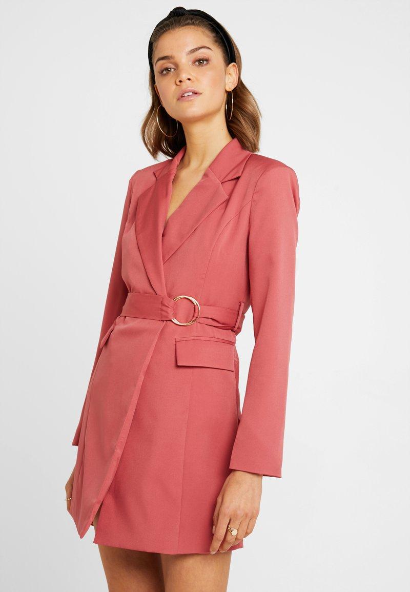 Club L London - WRAP BUCKLE DRESS - Vestito estivo - dusky pink