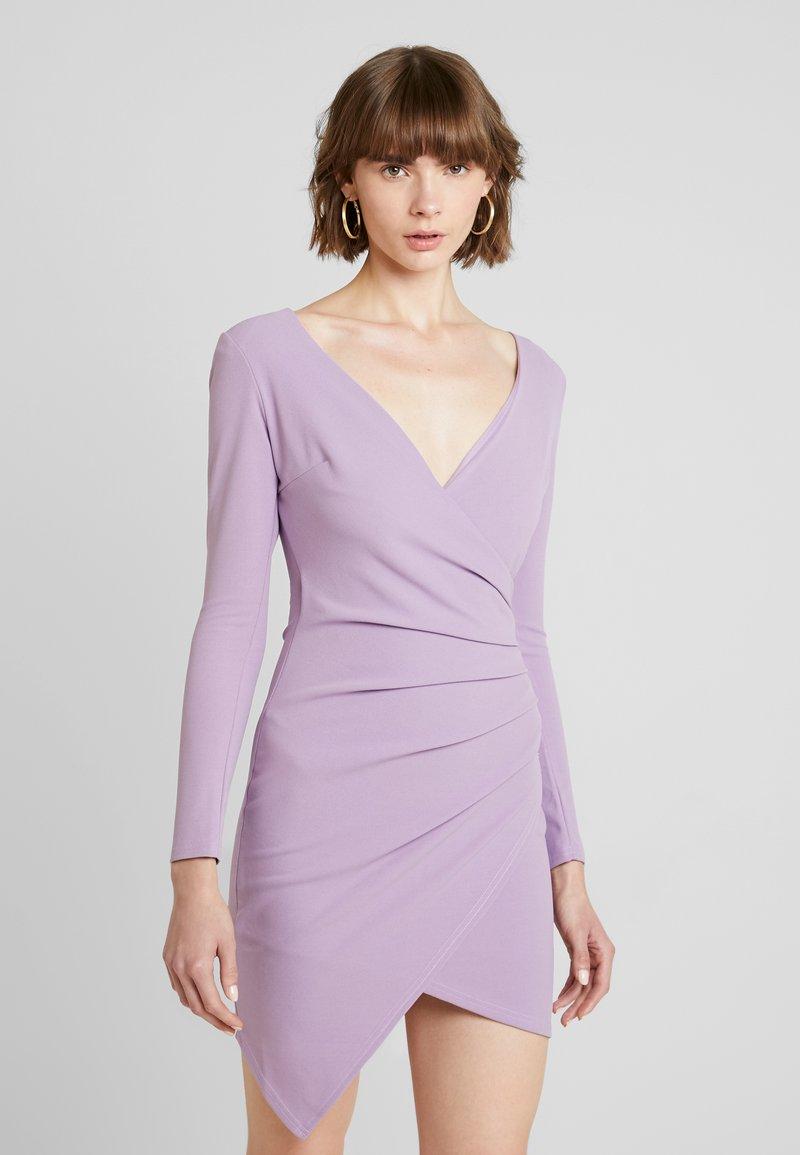 Club L London - WRAP ASYMMETRIC TAILORED CREPE DRESS - Vestido de cóctel - lilac
