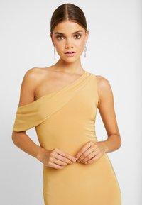 Club L London - Koktejlové šaty/ šaty na párty - yellow - 4