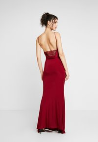 Club L London - CAMI STRAP COWL INSERT BACK DRESS - Occasion wear - wine - 3
