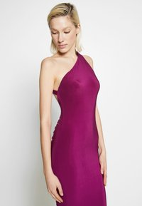 Club L London - ONE SHOULDER RUCHED BUM MIDI DRESS - Cocktailkjole - berry - 3