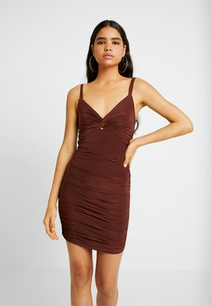 CAMI TWIST KNOT RUCHED MINI DRESS - Jerseyjurk - chocolate