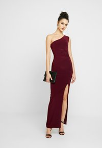 Club L London - ONE SHOULDER RUCHED WAIST MAXI DRESS WITH THIGH SPLIT - Iltapuku - wine - 2