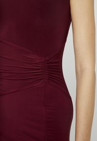 Club L London - ONE SHOULDER RUCHED WAIST MAXI DRESS WITH THIGH SPLIT - Iltapuku - wine - 6