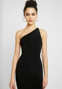 Club L London - ONE SHOULDER RUCHED BUM MIDI DRESS - Cocktailkjole - black - 4
