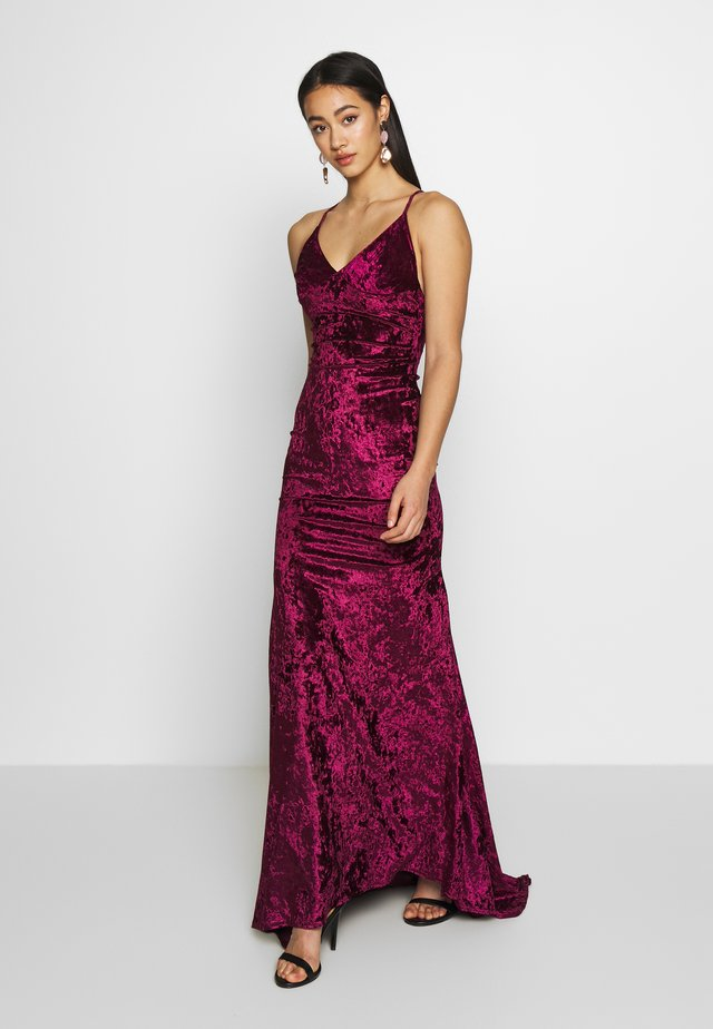 CROSS BACK FISHTAIL MAXI DRESS - Galajurk - wine
