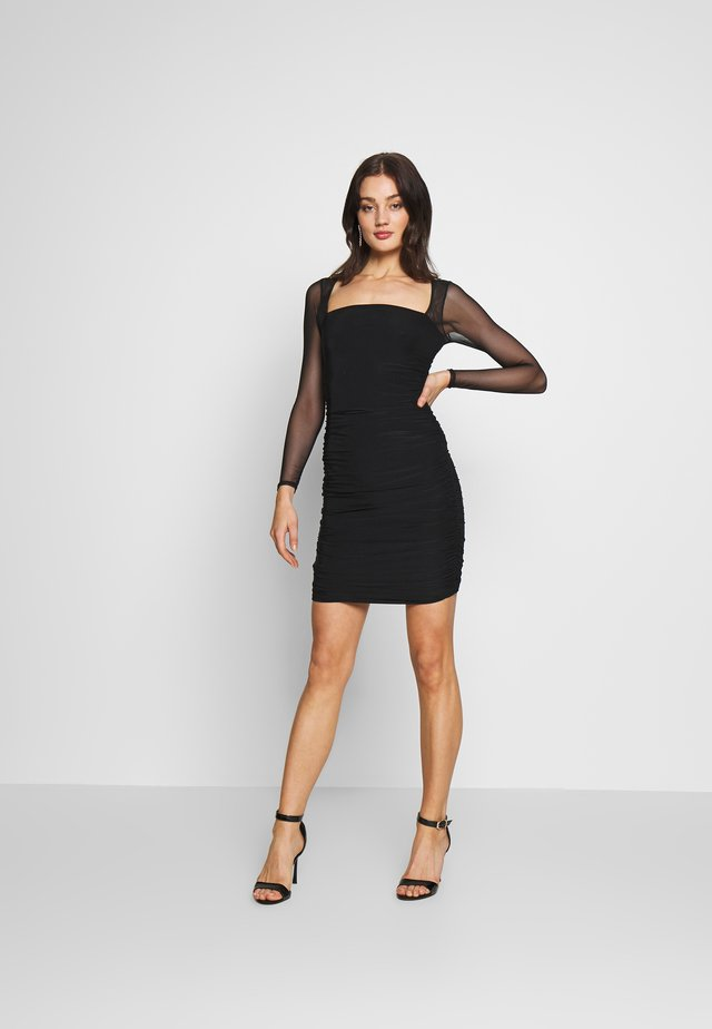 LONG SLEEVE PANEL MINI DRESS - Pouzdrové šaty - black