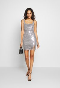 Club L London - SEQUIN NECK MINI DRESS - Vestido de cóctel - grey - 1