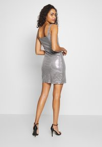 Club L London - SEQUIN NECK MINI DRESS - Vestido de cóctel - grey - 2
