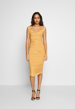 BARDOT RUCHED DRESS - Cocktailjurk - mustard