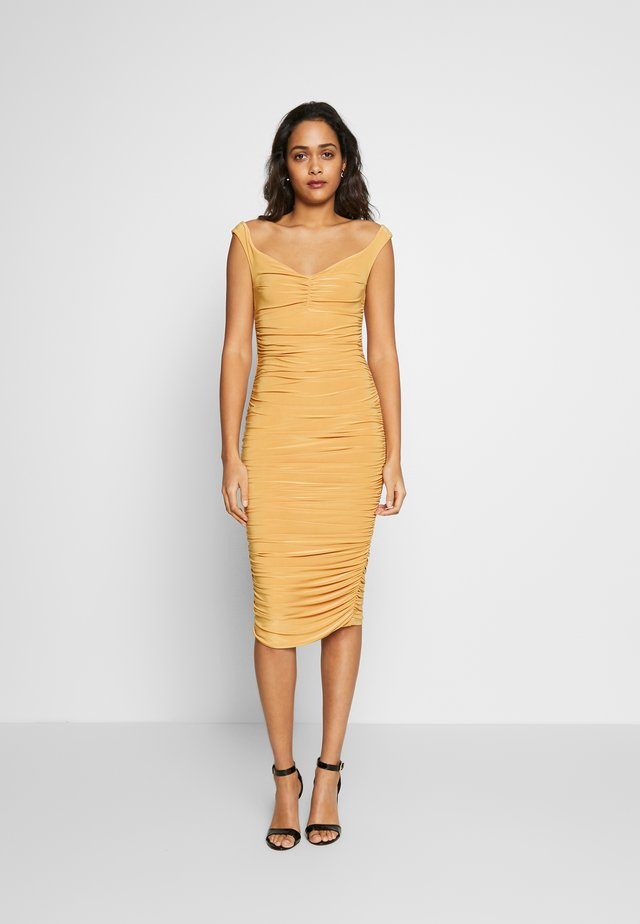 BARDOT RUCHED DRESS - Cocktailkleid/festliches Kleid - mustard