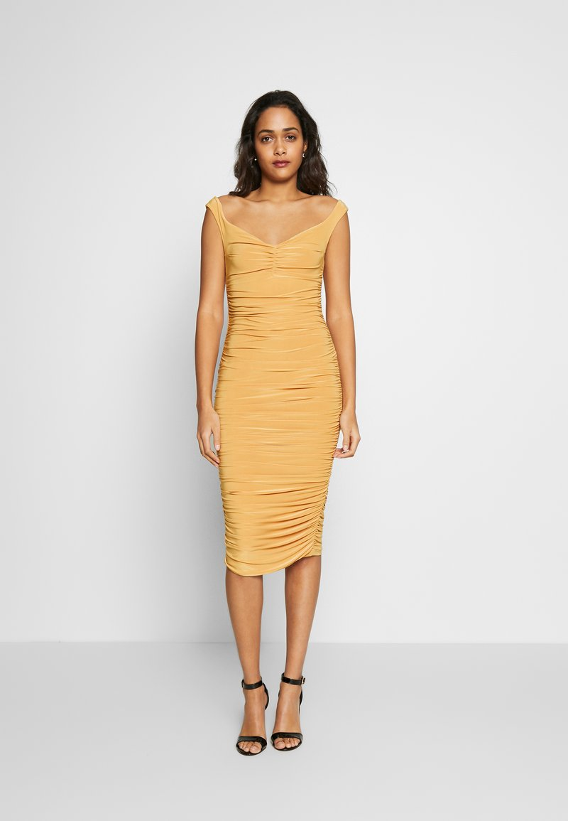 Club L London - BARDOT RUCHED DRESS - Koktejlové šaty / šaty na párty - mustard
