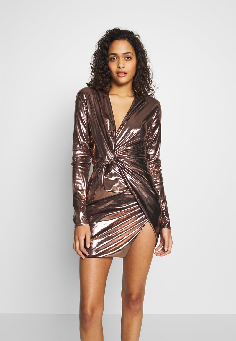 Club L London - METALLIC TWIST KNOT FRONT MINI DRESS - Robe de soirée - gold