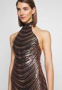 Club L London - SEQUIN HIGH NECK FISHTAIL MAXI DRESS - Vestido de fiesta - gold - 5