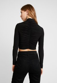 Club L London - HIGH NECK RUCHED FRONT CROP - Longsleeve - black - 2