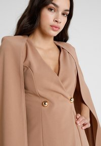 Club L London - Blazer - camel - 3