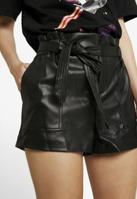 Club L London - Shortsit - black - 4