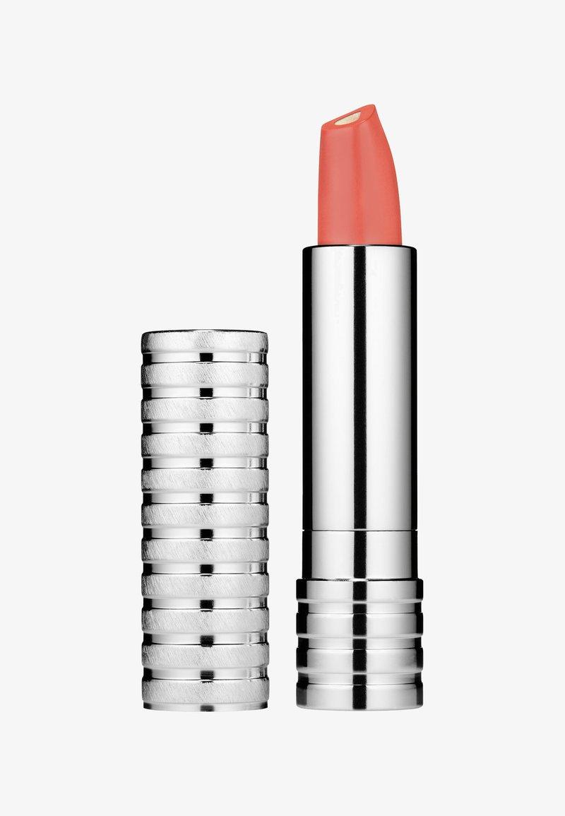Clinique - DRAMATICALLY DIFFERENT LIPSTICK 3G - Lippenstift - e66b67 whimsy