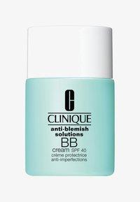 Clinique - ANTI-BLEMISH SOLUTIONS BB CREAM SPF40 30ML - BB cream - 01 light - 0