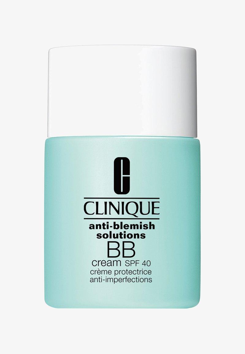 Clinique - ANTI-BLEMISH SOLUTIONS BB CREAM SPF40 30ML - BB Cream - 01 light