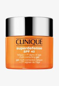 Clinique - SUPERDEFENSE GEL SPF40 - Dagcreme - - - 0