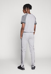 CLOSURE London - TWO TONE JOGGER - Pantalon de survêtement - grey - 2