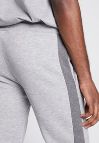 CLOSURE London - TWO TONE JOGGER - Pantalon de survêtement - grey - 5