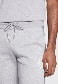 CLOSURE London - TWO TONE JOGGER - Pantalon de survêtement - grey - 3