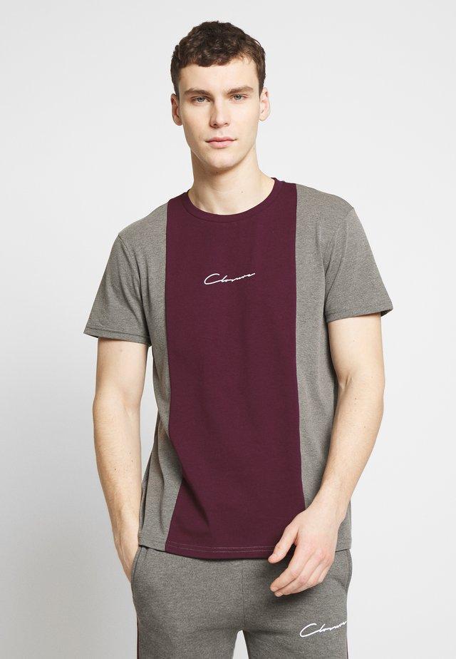 VERTICAL CUT SEW TEE - Print T-shirt - port
