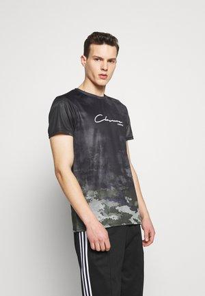 WASHED CAMO TEE - T-Shirt print - khaki