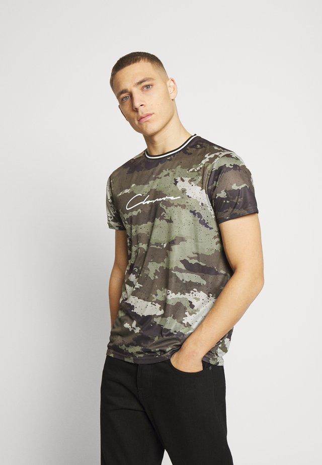 CAMO DOT TEE - T-shirt z nadrukiem - khaki