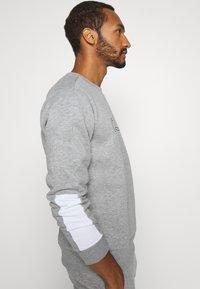 CLOSURE London - SCRIPT TRACKSUIT - Sweatshirt - grey - 4