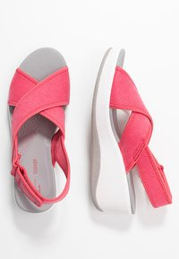 Cloudsteppers by Clarks - STEP CALI COVE - Platform sandals - berry - 3