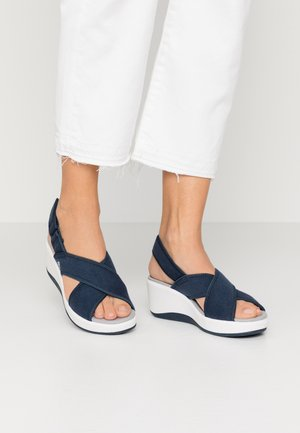 STEP CALI COVE - Plateausandalette - navy