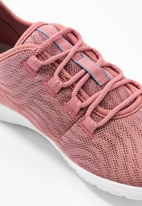 Cloudsteppers by Clarks - STEP ALLENA GO - Sneakers laag - mauve - 2