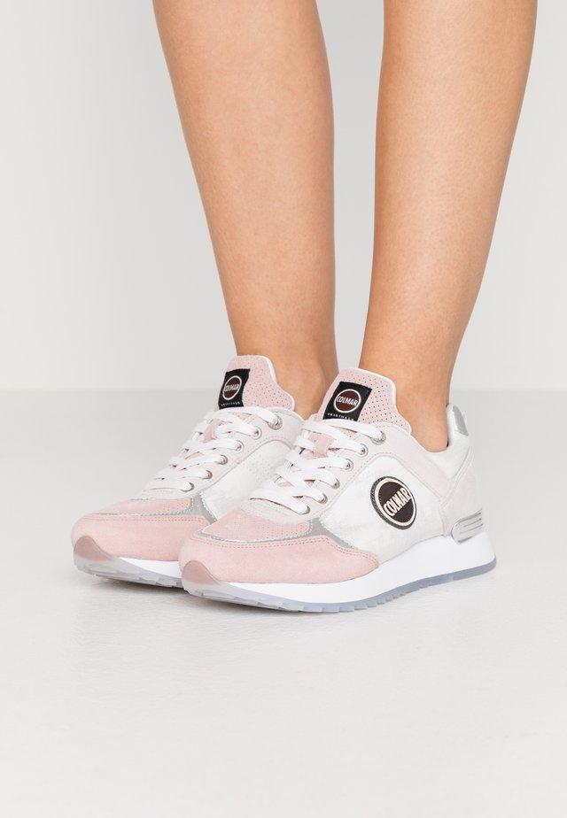 TRAVIS PRIME - Sneakers - pink