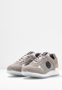 Colmar Originals - TRAVIS PUNK - Sneakers - silver - 4